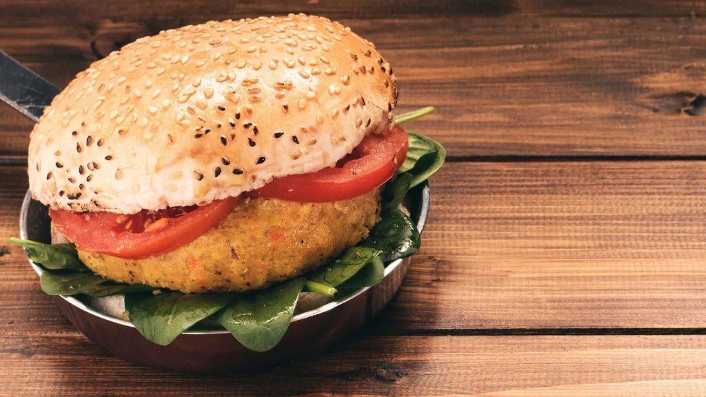 """Vegane Burger auf dem Prüfstand: Nur vier von elf für """"gut"""" befunden"""